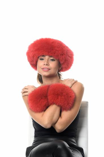 Fur hat with fur cuffs